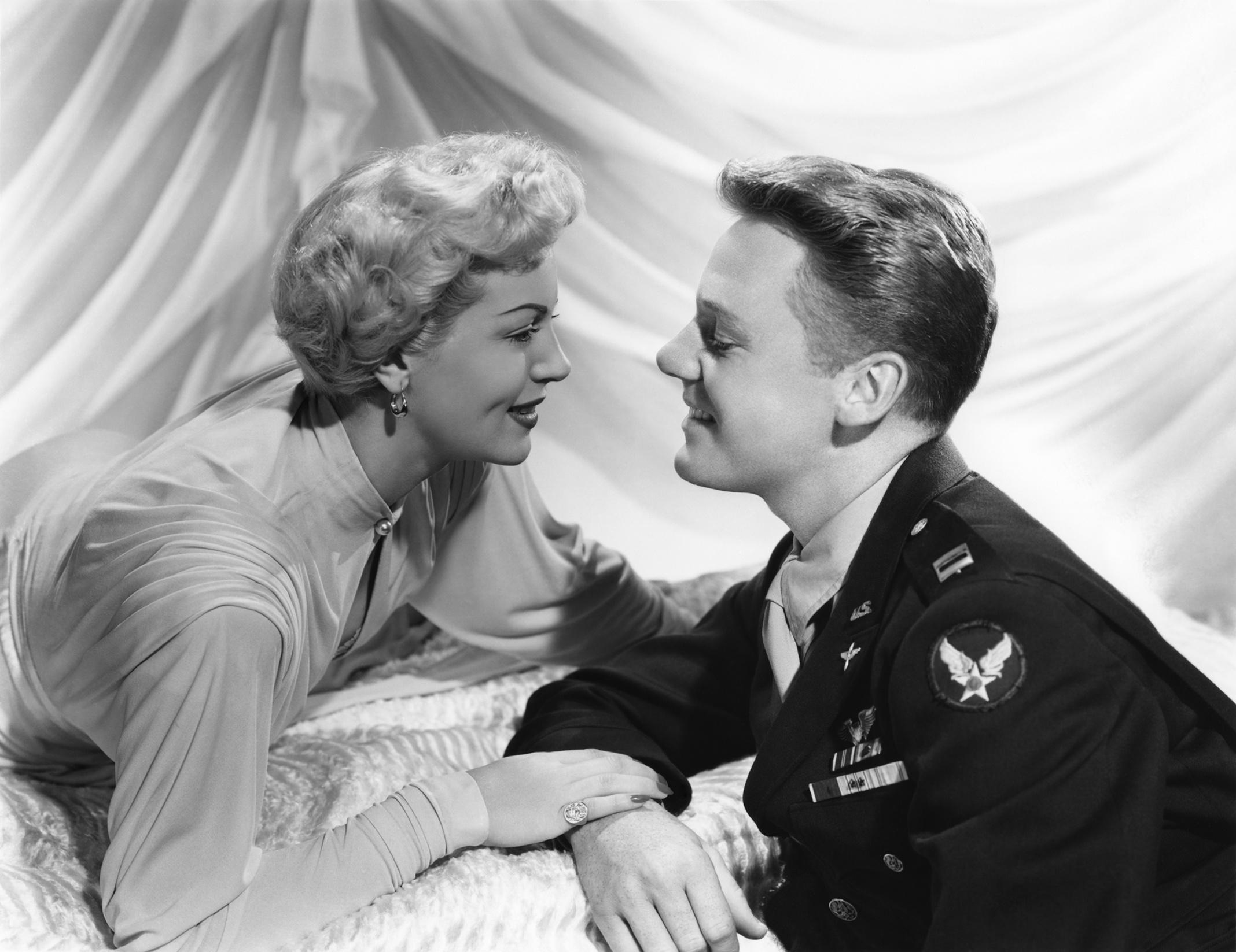 Week-end at the Waldorf (1945)